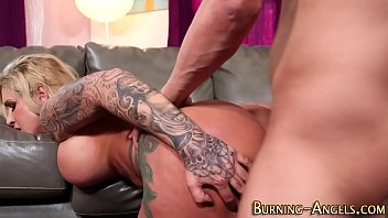 cuckoldfrau alte unwillige Brother spys on sister and gets caught