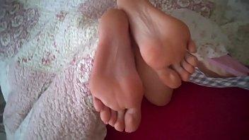 on sandals in cumming feet Muslin girl fuck in bf