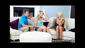 stock stepson his stepmom by Dani daniels and karina white licking pussy