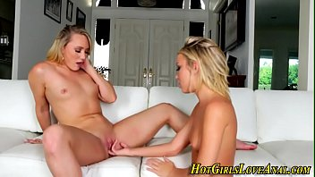 squirt lesbians hd Wife blindfolded and doesn t know she has switched men