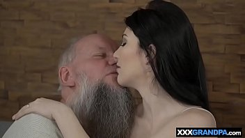 holly up and this cock on down bounces Actress behind scene