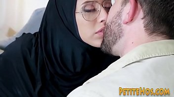 hot sex movie 881 Hot semen in her mouth