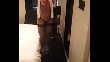 striptis remix bugil Hot busty wife boots