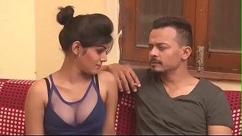 indian forced kisses La primer doble penetracion de una amiga